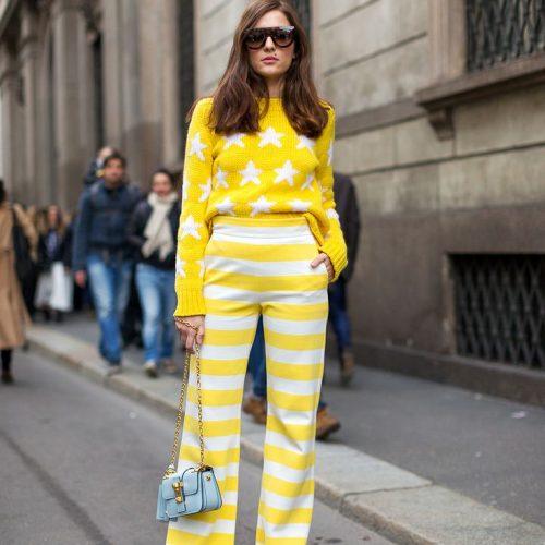 Amarillo y blanco estampado